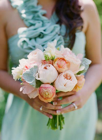 petite bouquet of peach garden roses and lambs ear | Melissa Schollaert #wedding:
