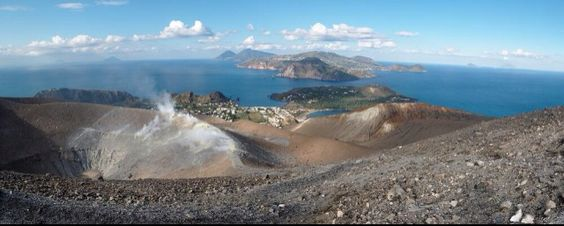 Journeying through the #Aeolians, the volcanic #islands (Messina, #Sicily)