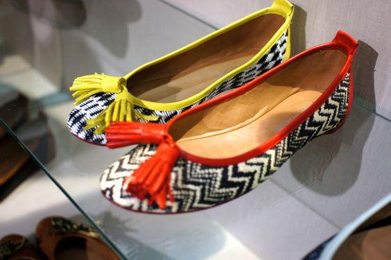 moda | estilo | afins | Consuelo Blocker.     Calçados Debora Germani