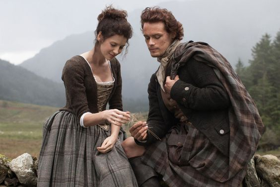 The 19 Best TV Couples Of 2015 - Jamie and Claire are #1!