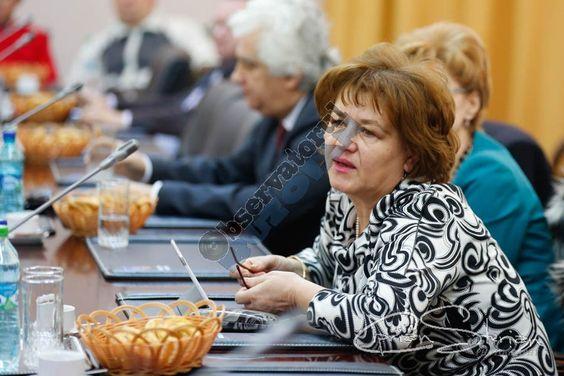 Florina Stoian, la un pas de a fi înscăunată șefă peste învățământul buzoian - http://www.observatorulbuzoian.ro/florina-stoian-la-un-pas-de-a-fi-inscaunata-sefa-peste-invatamantul-buzoian/