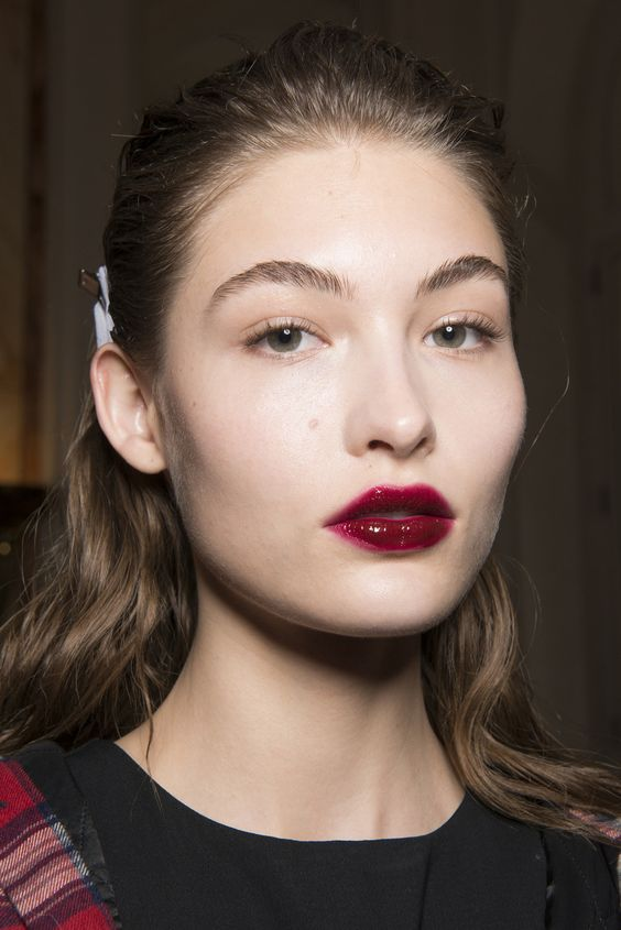 Make up trends 2018 Ombre cherry lips