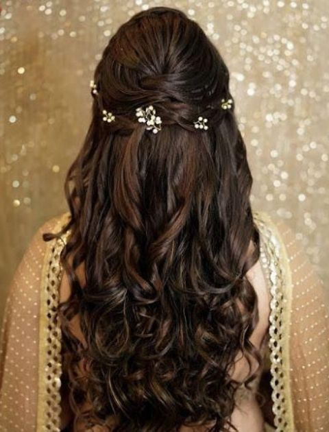 Easy And Creative Navratri Hairstyles For You To Slay Hair Styles Wedding Hairstyles For Long Hair Long Hair Styles
