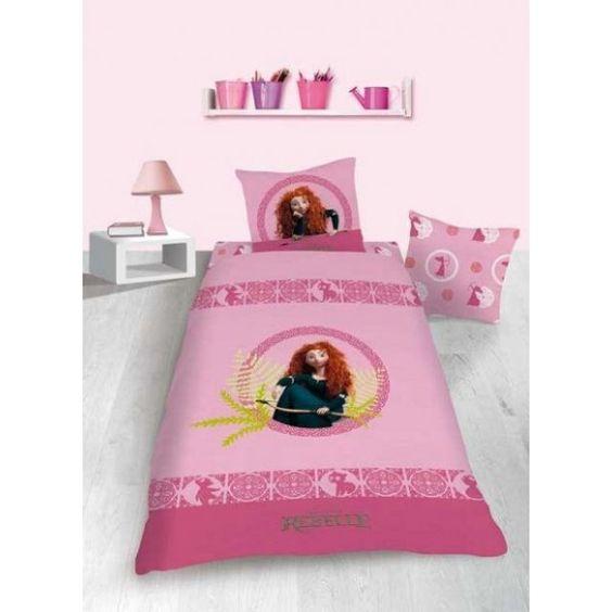 parure de lit merida de rebelle constitu e d 39 une housse. Black Bedroom Furniture Sets. Home Design Ideas
