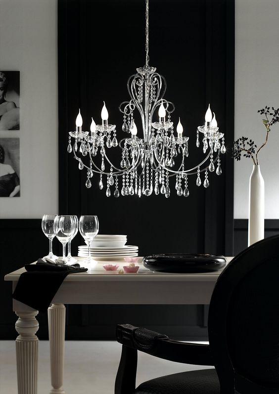 Stilvoll, elegant und ein bisschen Prunk zu Landhausstil oder klassischem Stil als Highlight ein Kronleuchter