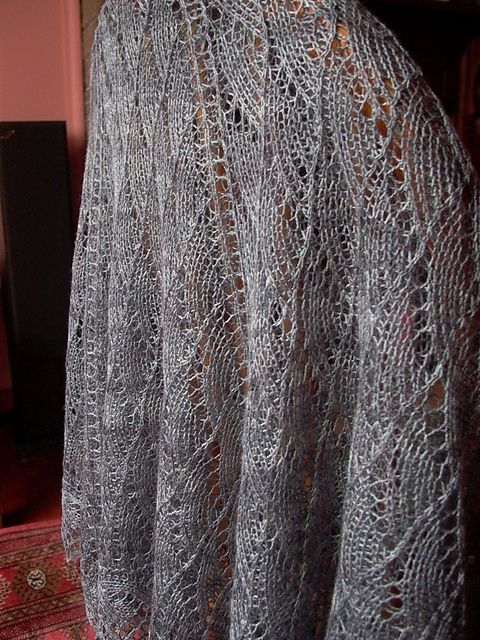 Vandyke Lace Knitting Pattern : Free Pattern: Seaside Shawl Sjaals, ponchos etc ...