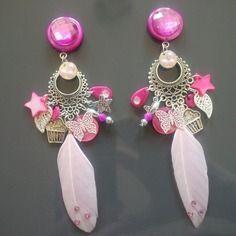 Les girly princess : boucles d'oreille roses à clips et à plumes