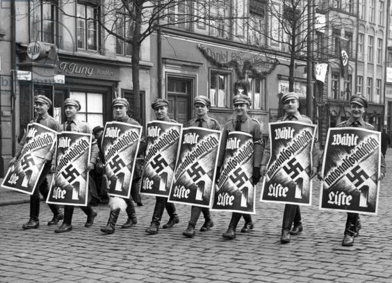an analysis and history of the national socialist party the nazis A member of the national socialist german workers' party food nazis who want to ban salt the nazi interpretation of history 2 nazi - relating to a form.