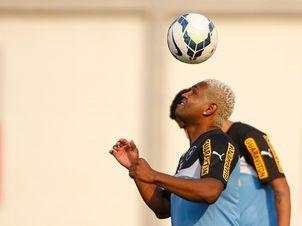 BotafogoDePrimeira: Mancini faz trabalho tático e chega até a testar J...