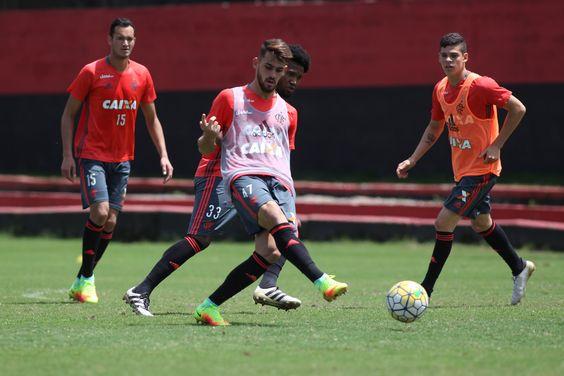 Sem Guerrero e Damião, mas contra Grafite, Flamengo pega o Santa Cruz #globoesporte