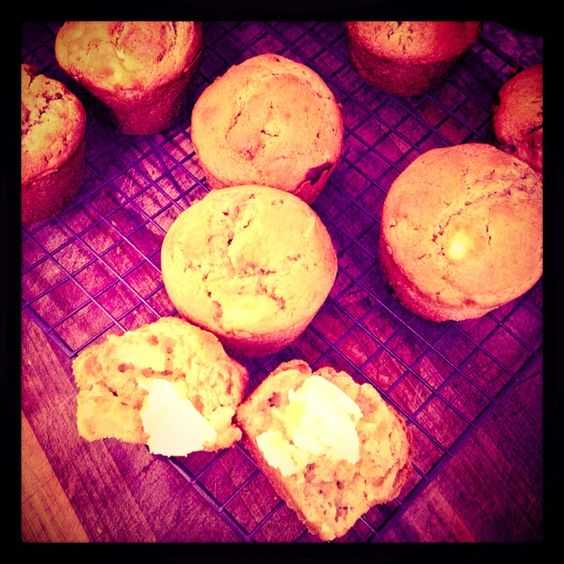 Apple, walnut & cinnamon muffins