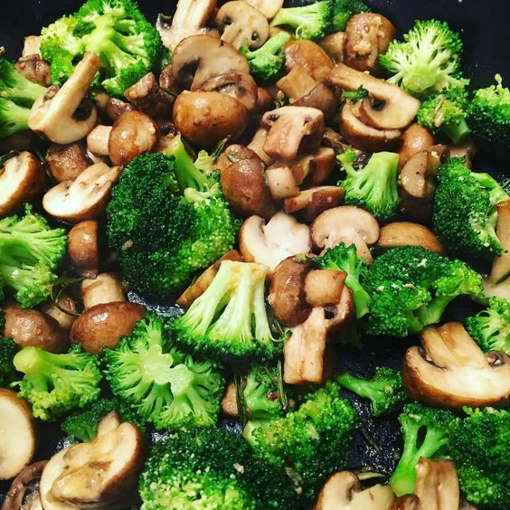 Shrooms and broccoli - add some garlic and rosemary - perfect side #vegetables…