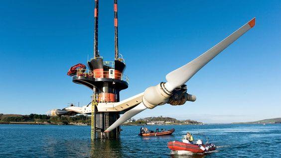 SeaGen: é a 1ª usina de energia comercial do mundo que gera energia maremotriz. Encomendada em 2008, a usina é localizada em um estreito no porto de Strangford Lough (Irlanda) e consegue abastecer cerca de 1,5 mil casas. A energia é gerada por 2 grandes rotores subaquáticos impulsionados pelas correntes. Crédito: Siemens