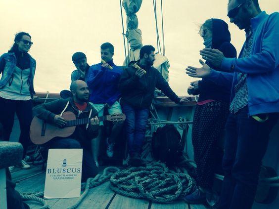 Mar y música: Ciclo de conciertos 'Agosto na ría' http://bluscus.es/blog/mar-y-musica-ciclo-de-conciertos-agosto-na-ria/