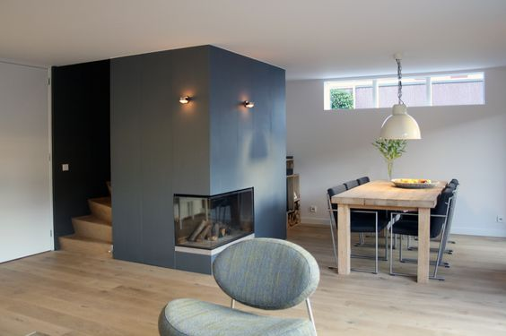 Fireplaces corner fireplaces and home on pinterest - Trap in de woonkamer ...