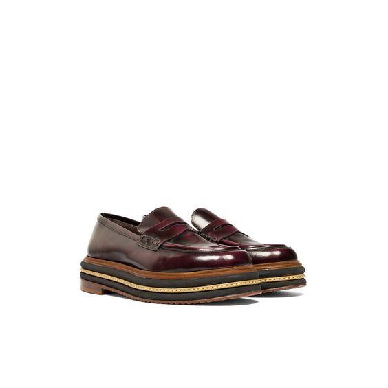 #unpasomas #mocasin #laminado #streetstyle #shoes #lookoftheday #bicolor #fashion #moda #piel