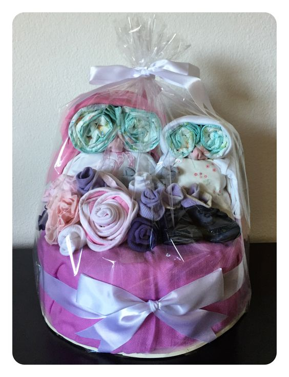 Custom made owl diaper cake for a new born girl - choose your colors at zurichgifts@gmail.com
