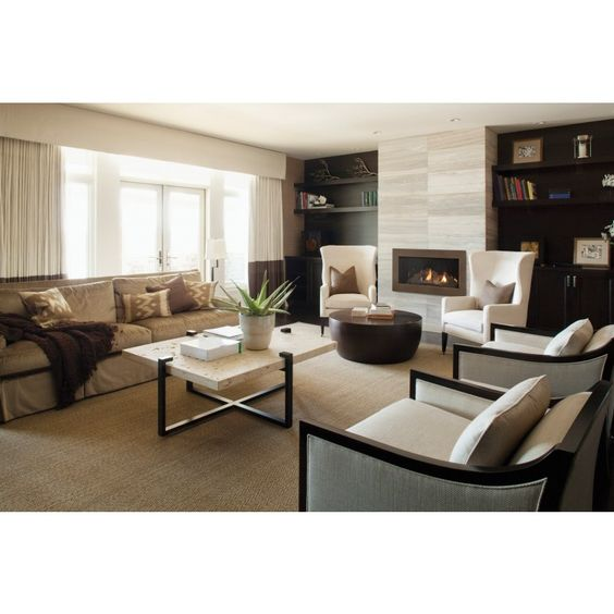 Glo Apartments: Cosmo 32 Gas Fireplace