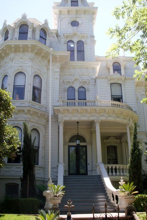 Over 350 Different Victorian Homes http://pinterest.com/njestates/victorian-homes/: