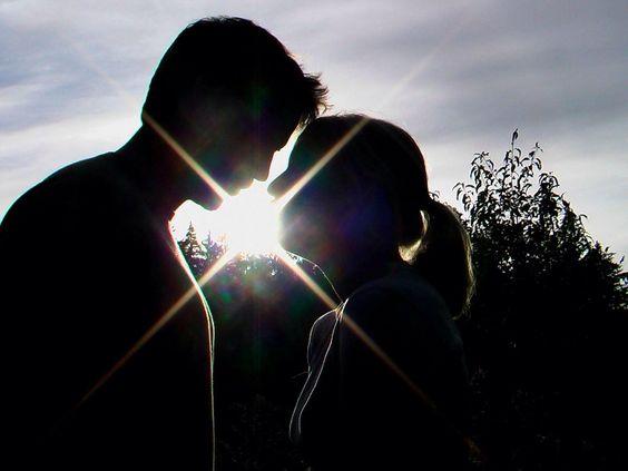 Toi qui es devenu l'amour de ma vie Que j'ai conquéri avec tant d'envie Je peux t'avouer aujourd'hui que Tu es au coeur de mes pensées Jamais il ne passe une heure sans que je pense à toi Ton cœur ...