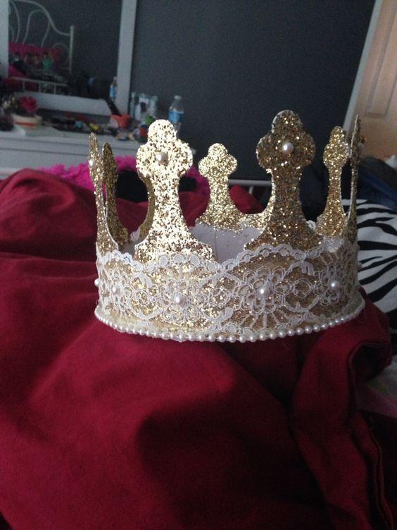 Senior crown. Seniors!!