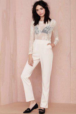 """Combinaison """"Falling in Lace"""" de Nasty Gal : Look séduisant pour rendez-vous galant - Journal des Femmes Mode"""