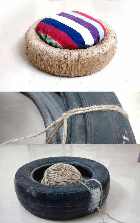 Basteln Sie Selbst Einen Designer Sitzpouf With Images Reused Furniture Backyard Diy Projects Diy Stuffed Animals