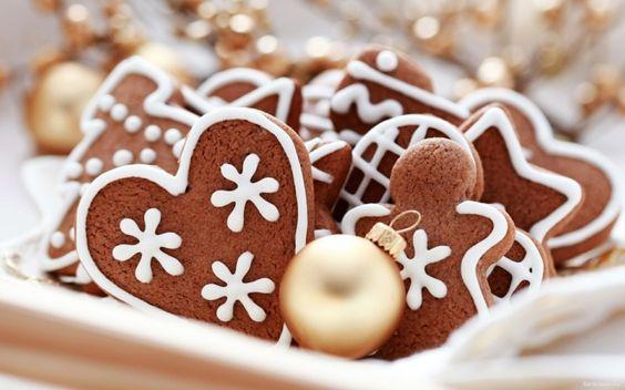 Köstliche Weihnachtsplätzchen - Lebkuchen-Herz mit weißer Glasur