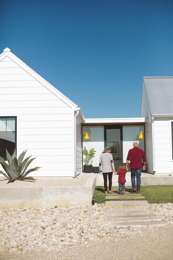 Portes ouvertes maison de campagne moderne buk nola for Porte ouverte maison