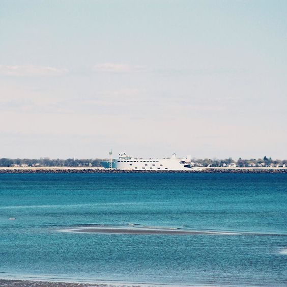 "p.e.a.c.h.e.s.s: ""Seaside. #seaside#beach#ocean#water#blue#ferry#landscape#view#instagram#instagood#instapict#vsco#vscocam#vscogood"""