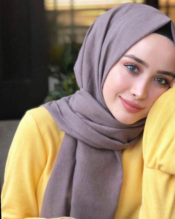 Beyaz Tenli Kadinlara Yakisan Sal Renkleri 2020 Hijab Chic
