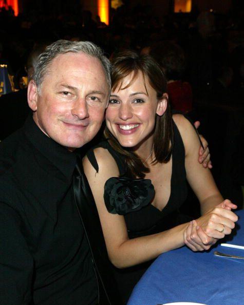 Jennifer Garner and Victor Garber