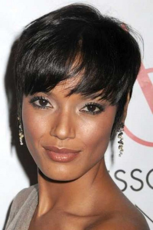 Best Short Hairstyle Ideas For African American Womens With Black Thin Hair In 2019 Short Hair With Bangs Hair Styles American Hairstyles