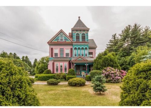 "dewps: "" Can we talk about this awesome fucking house I found on Trulia today. I'm in love. """