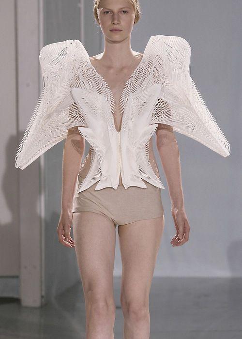Julia Nobis at Iris van Herpen F/W 2011 Couture