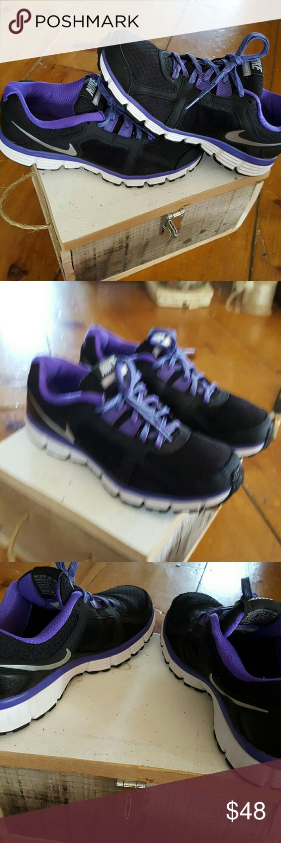 Black and Purple Nike Dual Fusion Black and Purple Nike Dual Fusion, gently loved, fantastic condition!! Super cute! Nike Shoes Athletic Shoes