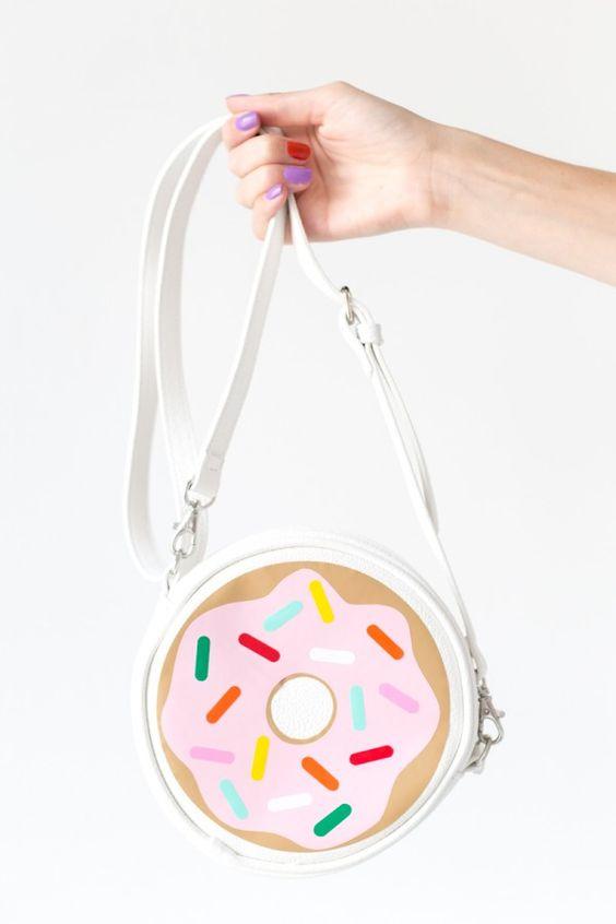 DIY Donut Purse | studiodiy.com