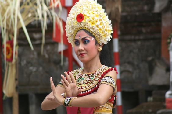 Traditional dancer through the eyes of mpicard