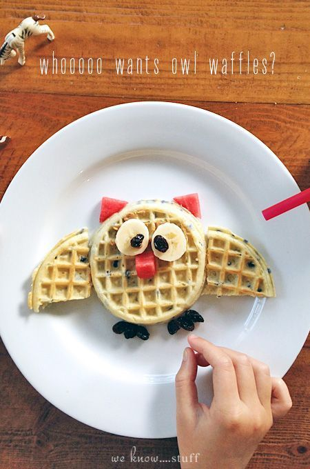 Fun With Food: Owl Waffles #halloweenbreakfastforkids This adorable waffle Owl is the perfect way to make breakfast extra special for your kids. This breakfast recipe takes just a few minutes to create....perfect!