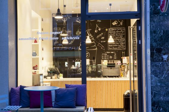 Frozen Yogurt - Shop - Interior Design - Augustenstraße