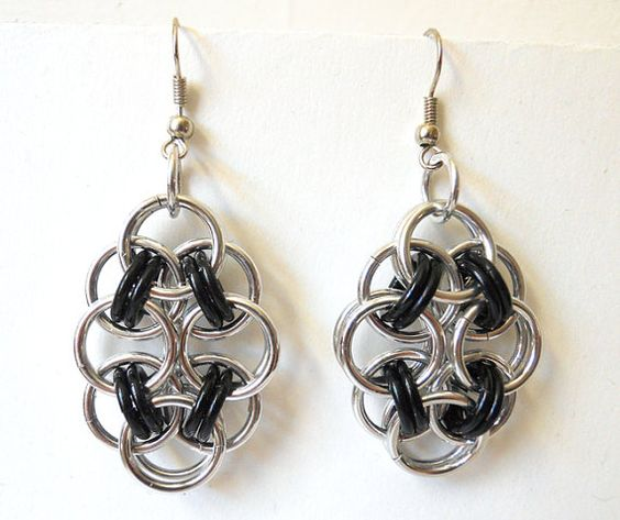 Chainmaille earrings, Helm flowers, Rosettes, Black and silver, Large #dteam