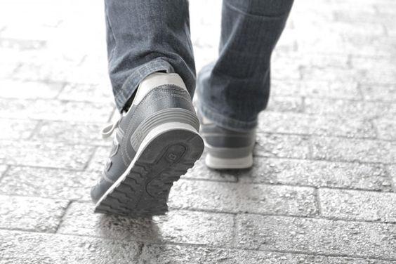 なぜ?靴底が突然ボロボロになってしまうワケ | 知っ得大衆-WEB版-