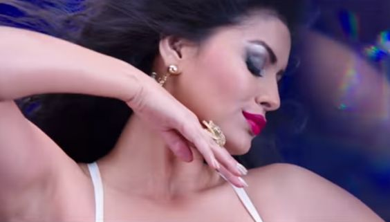 Sonali Raut sizzles in the song 'Lipstick Laga Ke' from 'Great Grand Masti' . http://www.bollywoodnentertainment.com/2016/07/sonali-raut-sizzles-in-song-lipstick.html