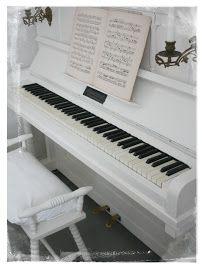 I ♥ MY PIANO http://pinterest.com/cameronpiano
