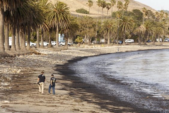 Devastating Photos Show How An Oil Spill Consumed Santa Barbara's Coastline