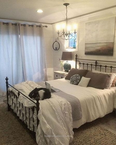 Gorgeous Farmhouse Master Bedroom Decorating Ideas French