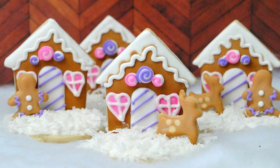Gingerbread House Cookie http://mythoughtsideasandramblings.com/gingerbread-house-cookie/