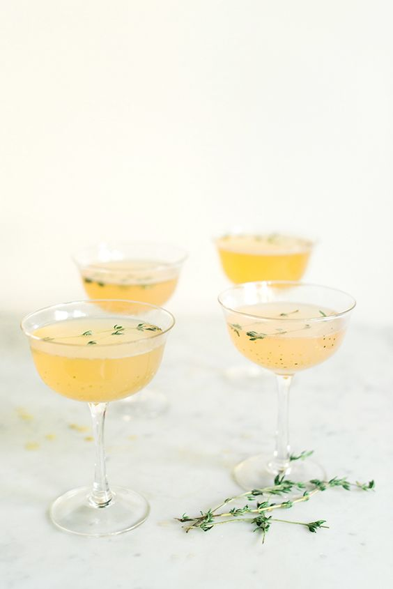 Gin fizz, Gin and Gin fizz cocktail on Pinterest