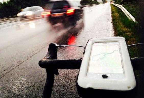 Wasserdicht, auch bei Regenwetter - Dein DURA CASE begleitet Dich zuverlässig!  #waterproof #Wasserdicht