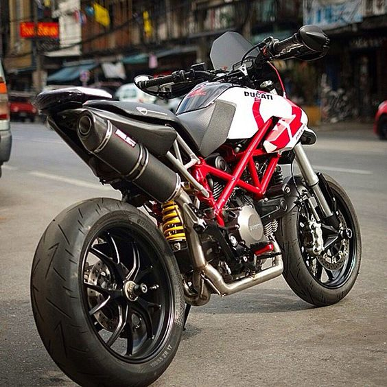 ducati motogp and projects on pinterest. Black Bedroom Furniture Sets. Home Design Ideas
